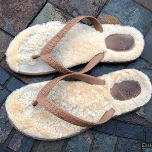 UGG fur flip flop size 8